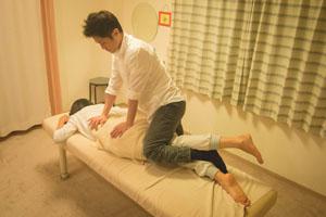 「体幹~大腿」 腰痛の原因となる大腰筋の柔軟性を回復